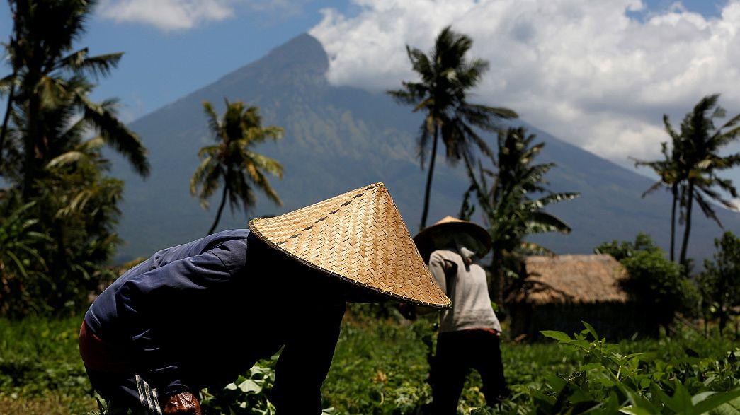 Bali Adası'nda yanardağ etrafındaki tahliye sınırı genişletildi