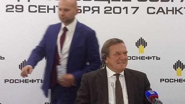 9 bitterböse Tweets zu Schröder bei #Rosneft