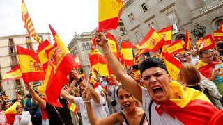 Százak tüntettek a katalán referendum ellen szombaton