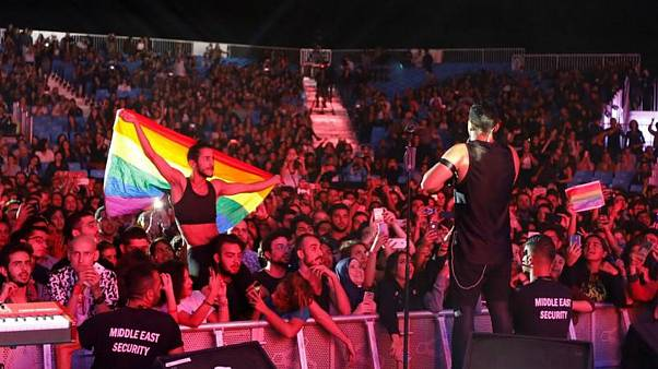 """مصر توقع كشوفا طبية على 6 أشخاص اعتقلوا بتهمة المثلية والتحريض على """"الفسق"""""""