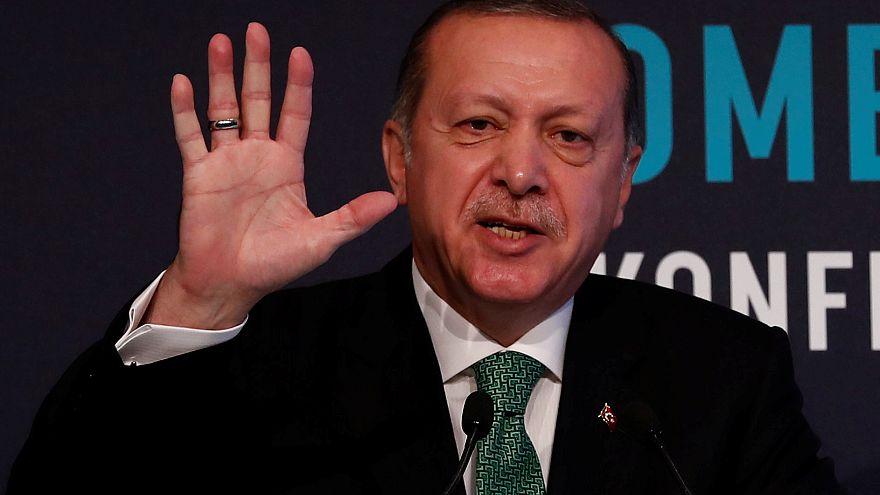"""إردوغان يتوعد سلطات كردستان """"بدفع ثمن"""" الاستفتاء"""