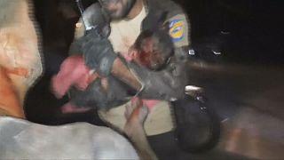 Siria: bombe a Idlib, estratto vivo dalle macerie bimbo di 7 mesi