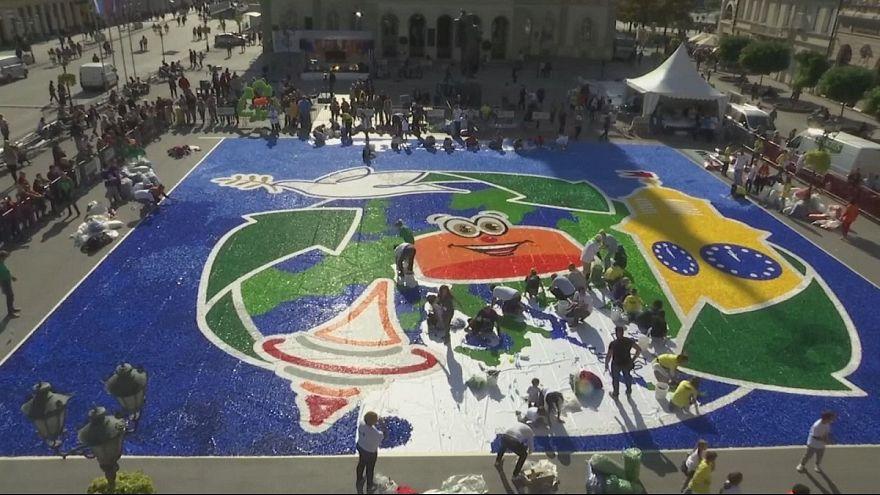 Un mosaico gigante y solidario