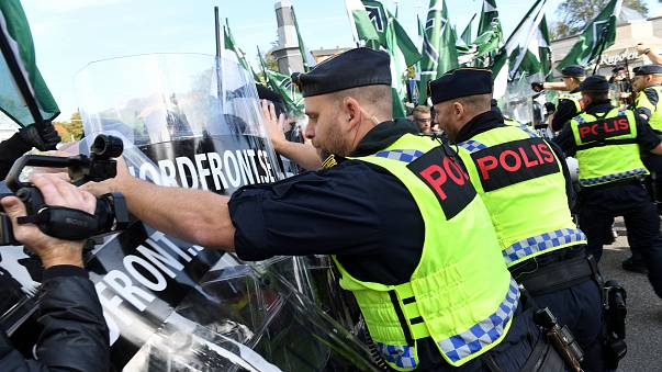 Неонацистский марш в Швеции завершился столкновениями