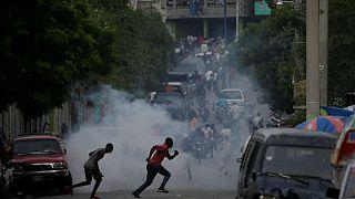 Haiti'de vergi zammı protestosu