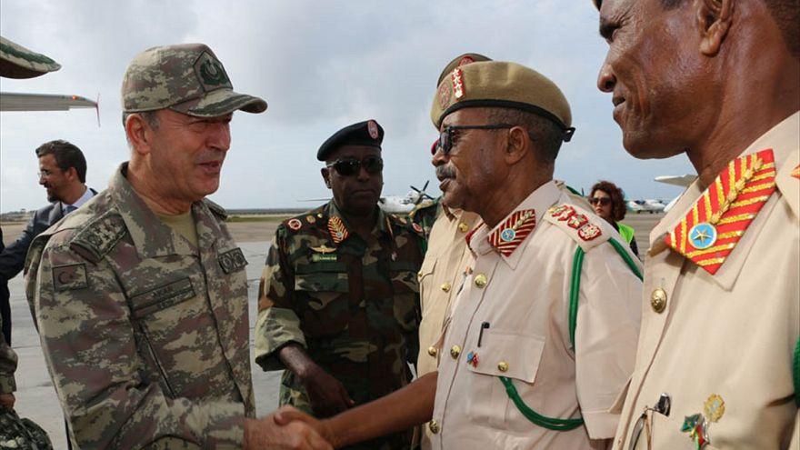 Türkiye'nin yurt dışındaki en büyük askeri üssü Somali'de açıldı
