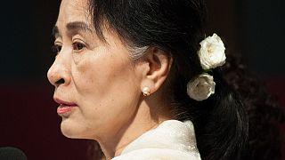 Oxford Üniversitesi Myanmar lideri Suu Çi'nin portresini kaldırdı