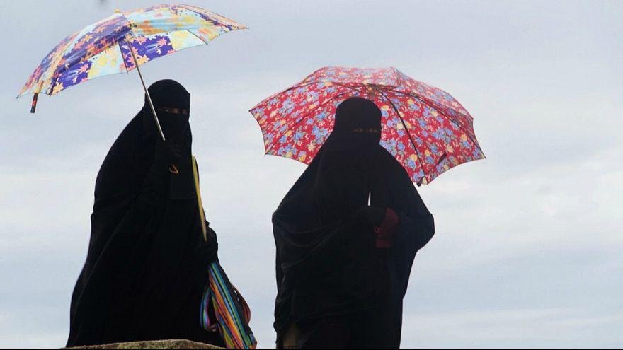 قانون ممنوعیت پوشیدن برقع و نقاب در اتریش اجرایی شد