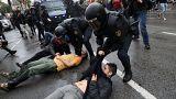 Katalonya referandumunda şiddet olayları 3'ü ağır 40 kişi yaralandı