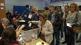 Каталонцы голосуют на запрещенном референдуме