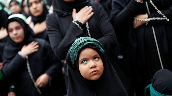 شاهد: كيف أحيا شيعة العراق وإيران ولبنان ذكرى يوم عاشوراء