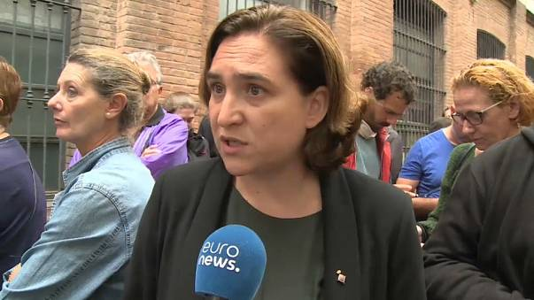 """""""Mariano Rajoy est un lâche"""": la charge de la maire de Barcelone"""