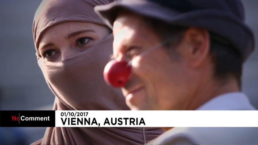 Viyana'da burka yasağına protesto