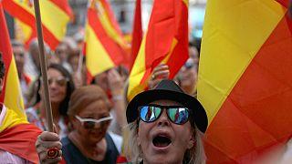 مخالفان و موافقان همه پرسی کاتالونیا در مادرید به خیابان آمدند