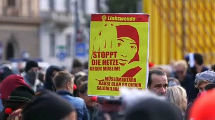 Protesters oppose Austrian Burqa ban