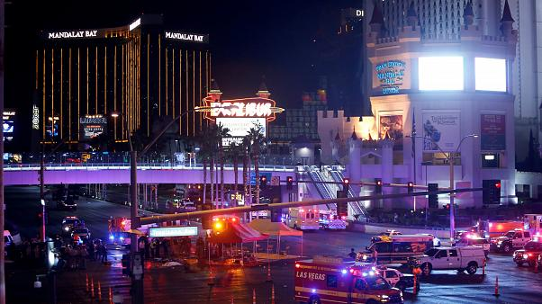Las Vegas'daki konser kan gölüne döndü