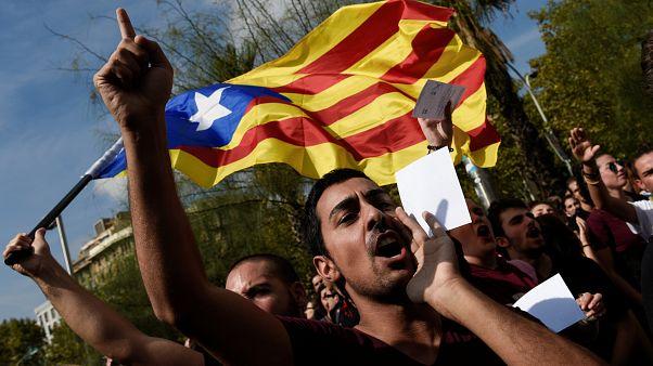 الاتحاد الأوروبي يدين العنف في كتالونيا ويدعو إلى الحوار