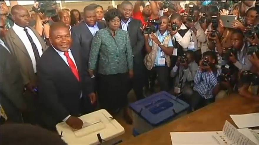 Nyusi tenta reeleição em 2019