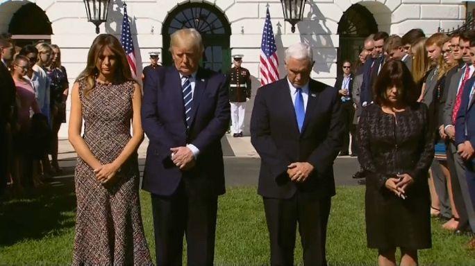 Beyaz Saray'da silahlı saldırı kurbanları için saygı duruşu