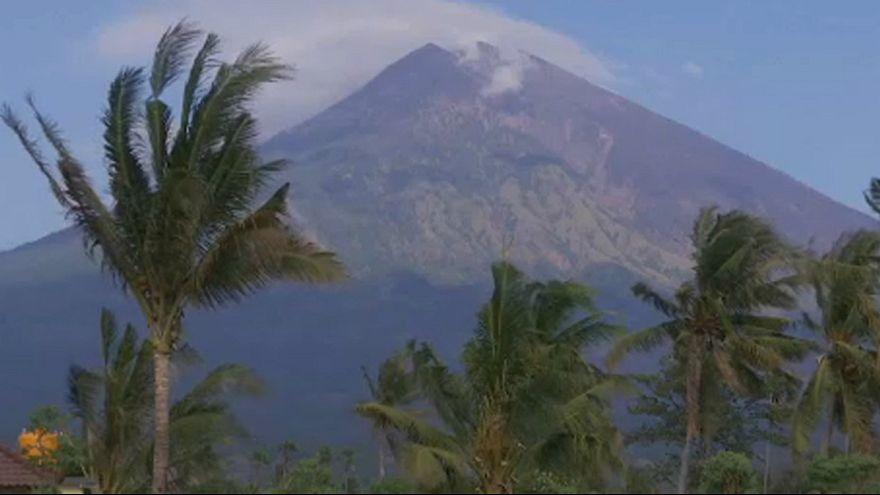 Bali: Agung volkanı turistleri küstürdü