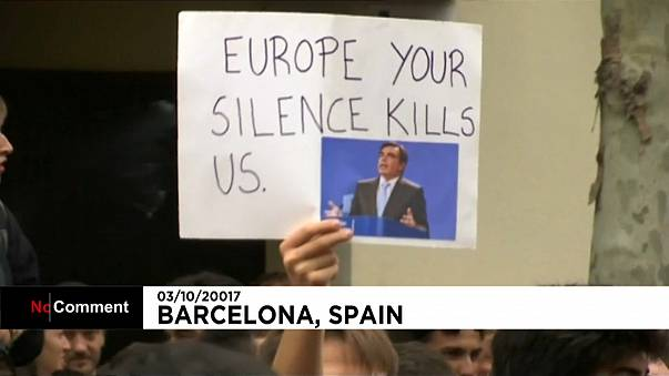 Tüntetés a spanyol Néppárt barcelonai székházánál