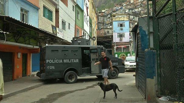 Sociólogo diz que exército não é solução para violência na Rocinha