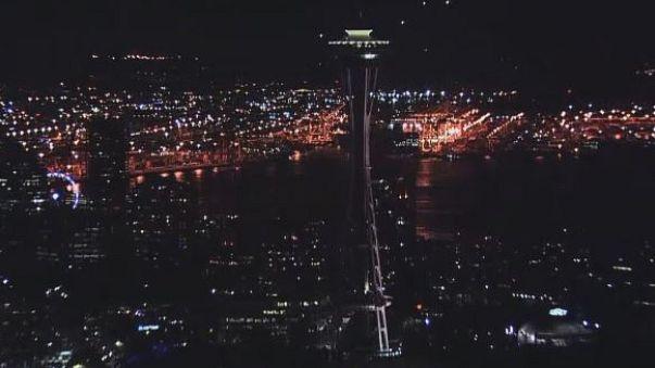Leoltott lámpákkal gyászolnak az USA-ban