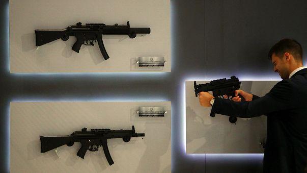 امتلاك السلاح في الولايات المتحدة بين الحرية والجريمة