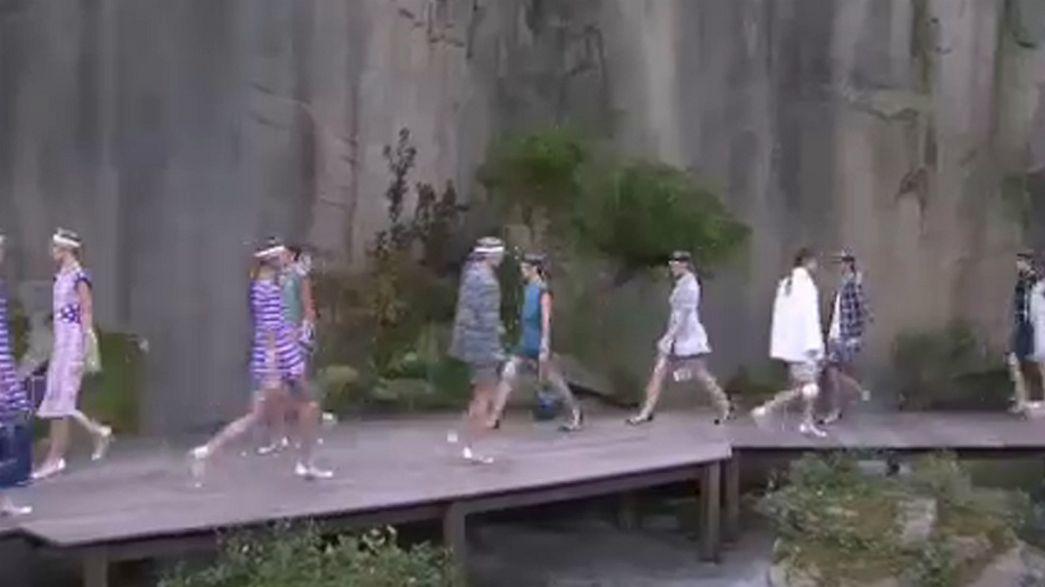 Paris Fashion Week: le trasparenze di Chanel, il casual di Stella McCartney e il Tirolo di Vivienne Westwood