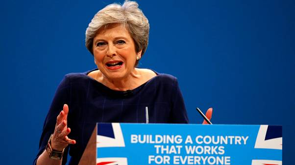 Parti konuşmasında Theresa May'e ilginç protesto