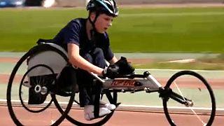 Il sogno di un rifugiato siriano disabile, diventare atleta paralimpico