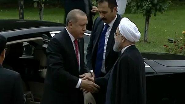 Rohaní y Erdogan se reúnen en Teherán para mostrar su oposición al referéndum del Kurdistán iraquí