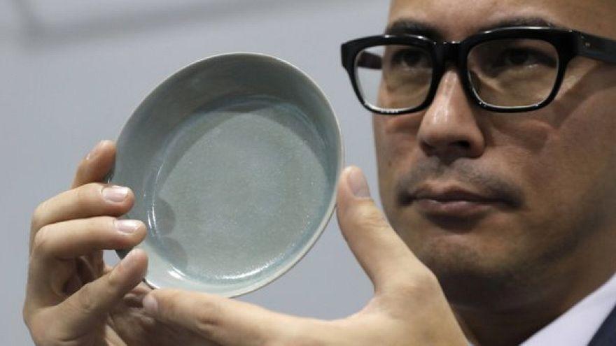 Rekordáron kelt el egy majdnem ezeréves porcelántál