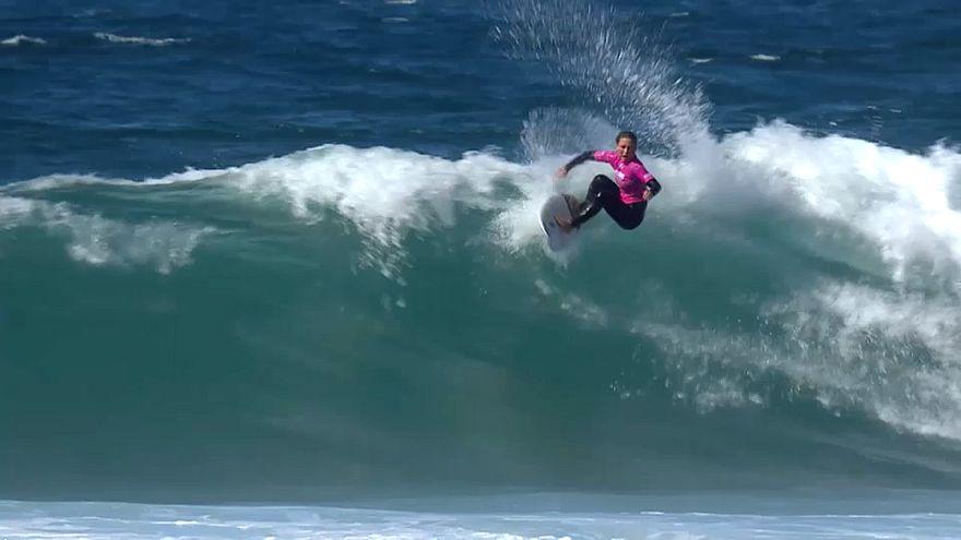 Kadınlar Sörf: Cascais Pro 2017 şampiyonu Nikki Van Dijk oldu