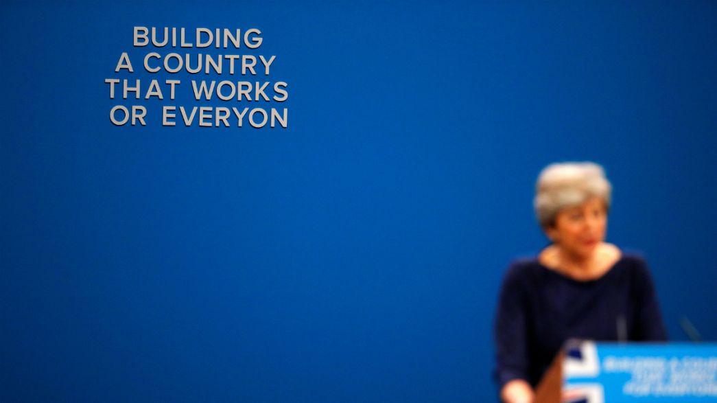 Theresa May-t az ág is húzta