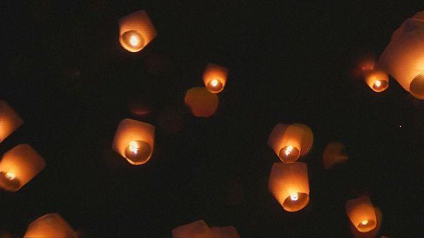 Сотни воздушных фонариков над Тайбэем
