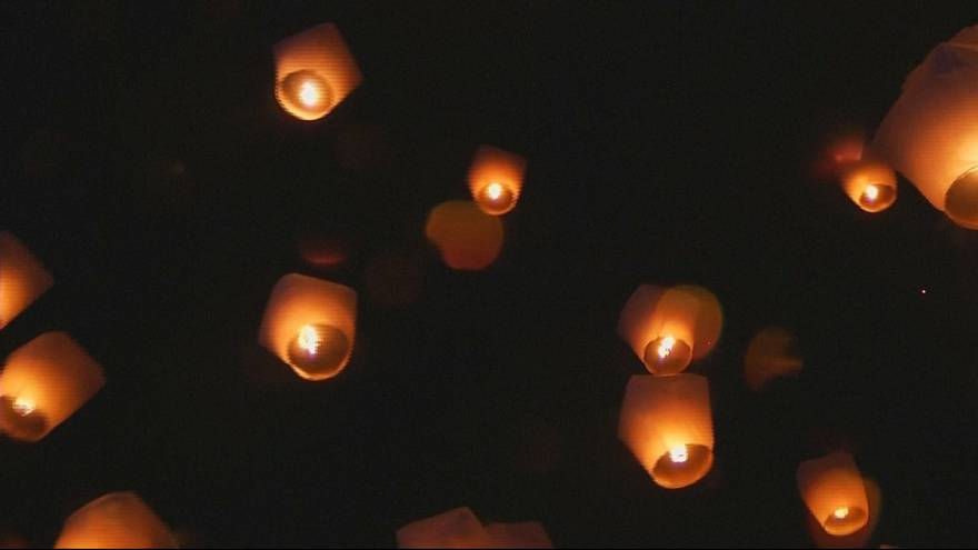Taiwan let off hundreds of lanterns to mark the start of the mid-Autumn festival