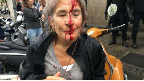 تنديد بوحشية رجال الشرطة خلال استفتاء كتالونيا