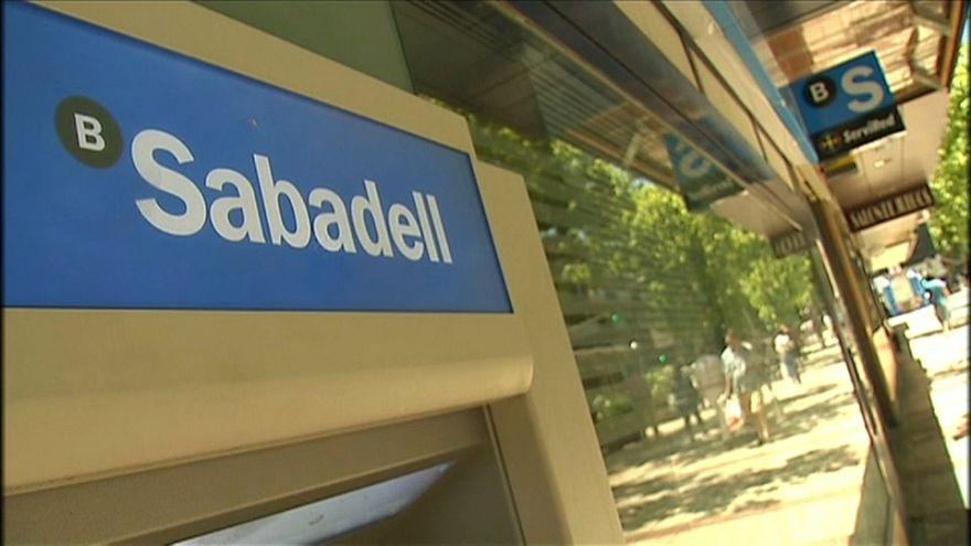 Catalogna: l'indipendenza preoccupa le banche, sedi via dalla regione autonoma