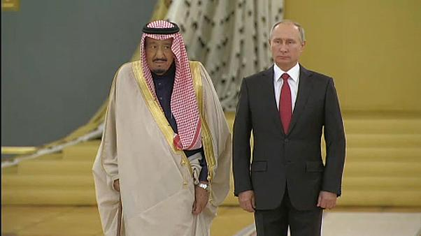 Saudi king makes historic visit to Russia