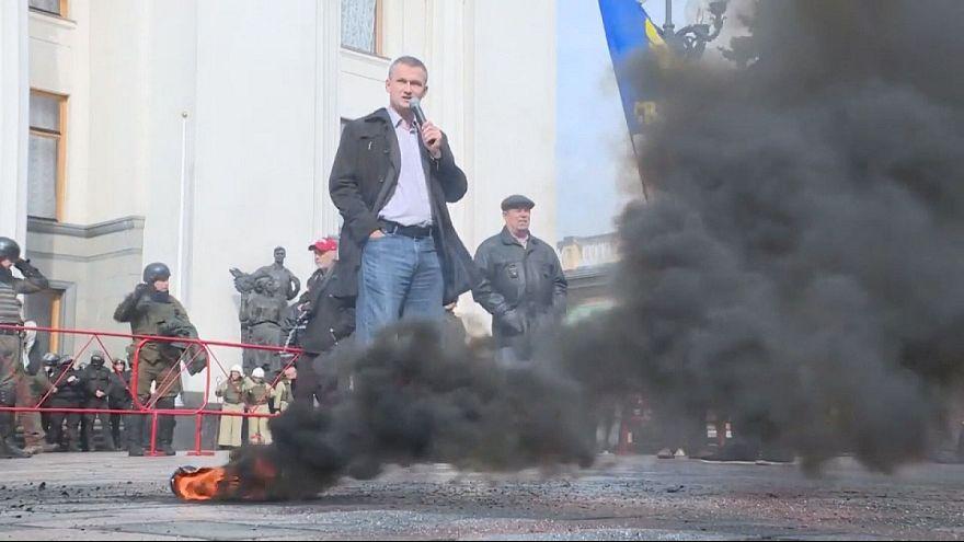Protesta con humo en Kiev