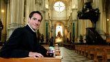 Igreja de Bruxelas lança marca de cerveja para financiar renovação