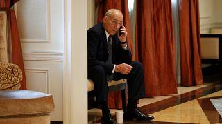 هل اخترق الهاتف الشخصي لكبير موظفي البيت الأبيض؟