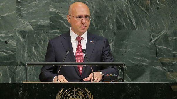 Moldova's leaders step up east-west tug of war