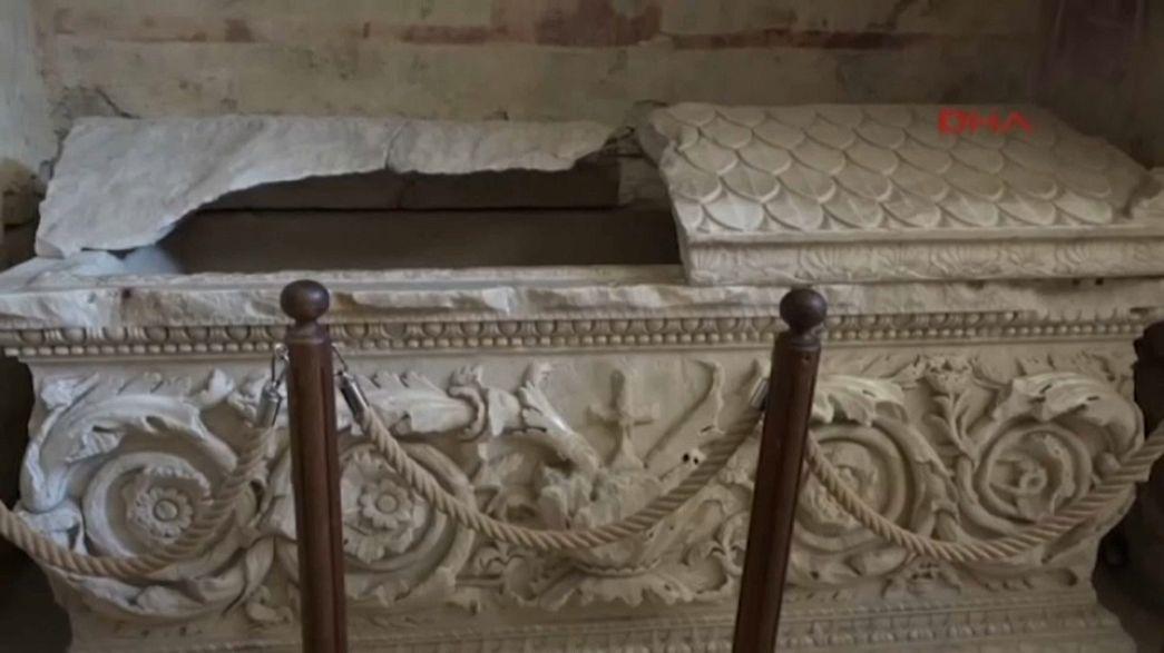 Noel Baba'nın mezarı bulundu