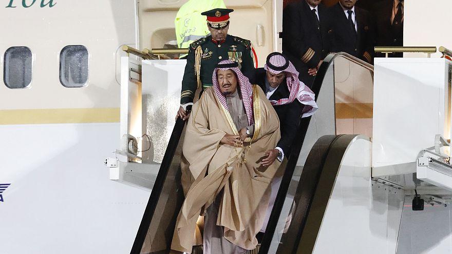 Suudi Kral Salman'ın yürüyen altın merdiveni bozuldu