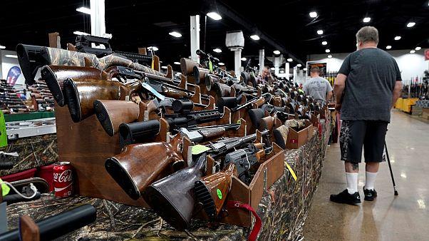 Festival de armas depois de tiroteio em Las Vegas