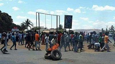 Attaques au Mozambique, 14 assaillants et deux policiers tués (police)