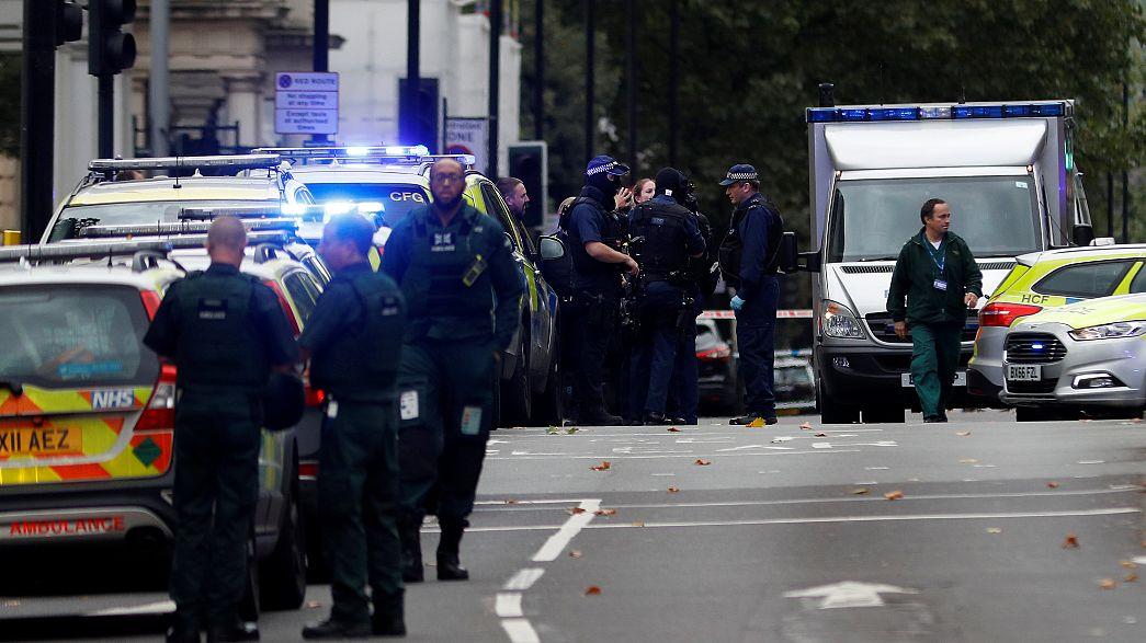 В Лондоне автомобиль наехал на людей