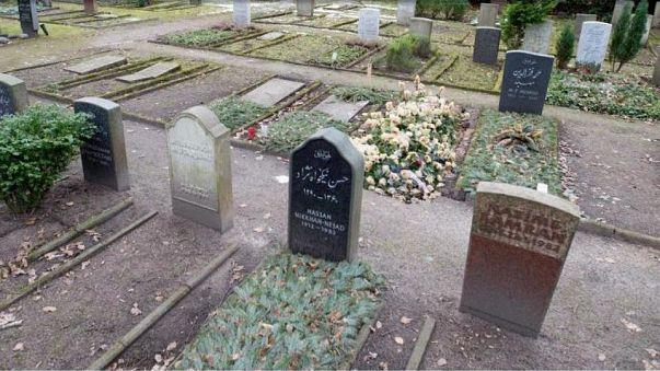 Almanya'da Müslüman aile ile belediye arasında 'mezarlık' tartışması